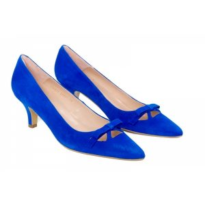 Calzado para mujeres altas. Zapato-de-tacon-en-ante-azulon