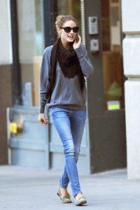 mocasines y jeans