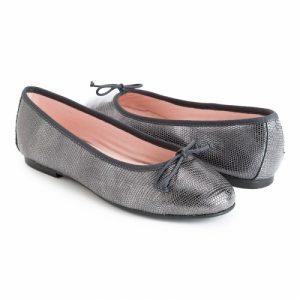 bailarina-plana-de-piel-labrada-en-color-acero-gris-oscuro-metalizado
