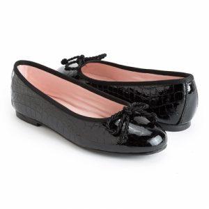 bailarina-plana-en-piel-tipo-cocodrilo-acharolada-en-color-negro-y-con-cordon-grueso